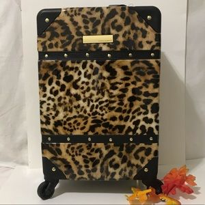 "INDIGOH COLLETION LEOPARD VICEN CAMUTO  18""Hx13"""